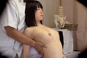 【本澤朋美】いたいけな少女のおっぱいを弄ぶ変態マッサージ師