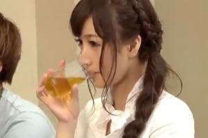 【保坂えり】ナンパした可愛いOLさんに媚薬入りのお茶を飲ませてみたの画像です