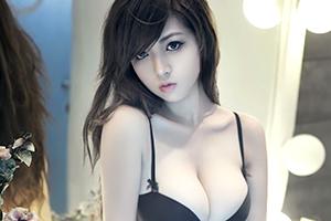 中国の天然童顔爆乳娘の画像です