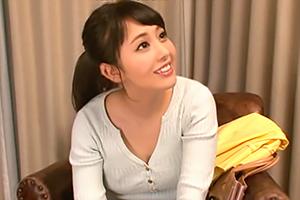 【塚田詩織】激カワ新婚妻が童貞君を筆下ろし!から中出しされる…の画像です