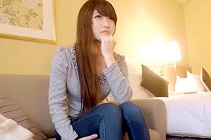 【ナンパTV】関西の美人接客員、お金に釣られて脱ぐ。