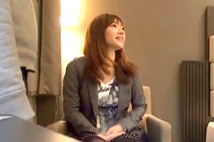 【素人ナンパ】お台場と梅田で見つけた美女を謝礼と話術で口説き落とす!の画像です