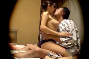 【盗撮】巨乳でスタイル抜群の美人女将が客室で男とSEXする様子を隠し撮り
