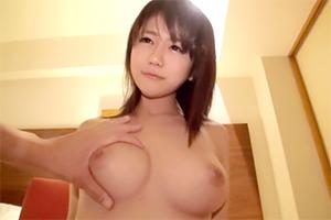 ロリ巨乳の学生とセックスの画像です