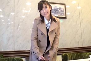 【素人】仕事帰りの安田美沙子っぽい美人OLをホテルに連れ込んで…