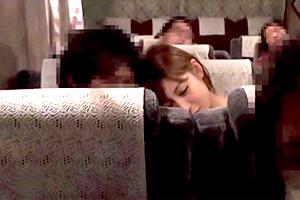 「明日花キララ」夜行バス完全盗撮ドキュメント!声我慢して一般乗客とバス内でH!