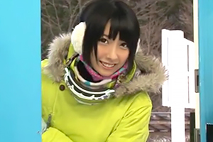【阿部乃みく】スキーに来てた女子大生をマジックミラー号で寝取って中出し!