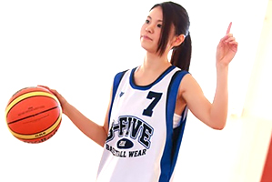 プロバスケット選手を目指す北欧ハーフの8頭身美少女AVデビュー!
