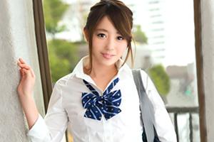 制服の中のA あゆ。ちっぱい女子校生が初めての円光で開発される…の画像です
