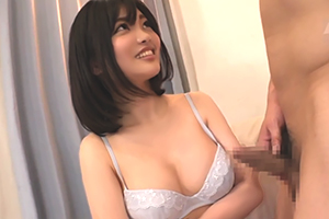 【素人ナンパ】太眉の性欲強そうな巨乳お姉さんに童貞くんの射精のお手伝いを頼んだ結果www