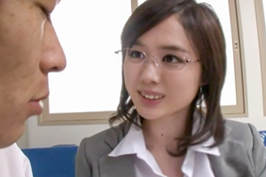 吉川あいみ 学校では超絶厳しいドSな母も家では優しい淫乱オンナに…