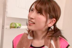紗々原ゆり 現役声優がレアコス衣装で人生初顔射セックス!