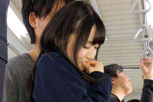 大島美緒 電車で媚薬を使った痴漢集団に襲われた女子校生の末路・・・