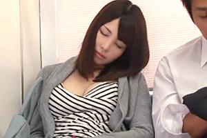 【北条麻妃 高山えみり】超ラッキースケベ発動!隣で寝てる美女をSEXしますwwの画像です