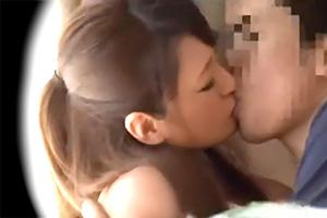 【盗撮】女子大生の妹が男友達の強引なキスを拒めずにそのまま…