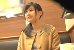 美月笑麻 アイドルより可愛い女子大生がマジックミラー号で中出しAVデビューwww