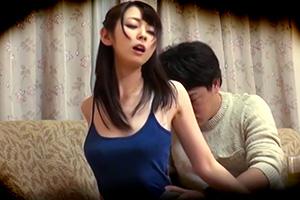 性欲を抑えきれないうちの妻(゜ゝ゜)まさか近所の若者と不倫しているなんて…。の画像です