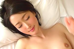 【舞ワイフ 西田春菜】これは抜ける!清楚な人妻の不倫セックスの画像です