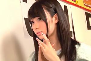 男湯で100万円のために一般客や彼氏の前で他人チンポに中出しされる激カワ美少女の画像です