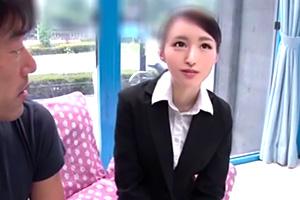 【マジックミラー号】リクスー女子大生が就活中に顔面騎乗クンニ!