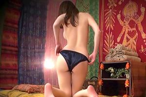 【盗撮】タイ古式マッサージ店が後ろ姿から男を惑わす魅惑の美ボディ妻を狙う!