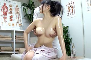 【上原亜衣】結婚8年目の人妻がマッサージ師のテクニックに完堕ち