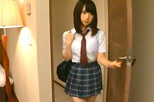色白女子校生をホテルでハメるの画像です