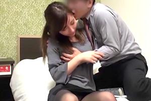 【素人ナンパ】新宿で働くガチ美人のOLが仕事中に生ハメSEXしてます!の画像です
