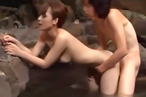 火が付くまで何分!?初対面の男女を混浴に入れた様子を隠し撮りの画像です