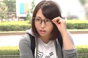 【マジックミラー号】隠れ巨乳のメガネっ子に四十八手の体位を仕込む!