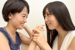 大槻ひびき 向井藍 憧れの先輩女子とマン汁が混じり合うイヤらしい濃密なレズSEX