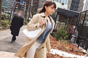 【ナンパTV】さえこ 24歳。カフェでGETした巨乳バスガイドを伝マでいじめる!の画像です