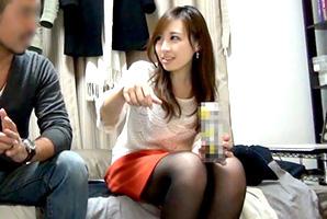 【盗撮】ヤリチン芸人に宅飲みで酔わされてハメられる美人OLの一部始終