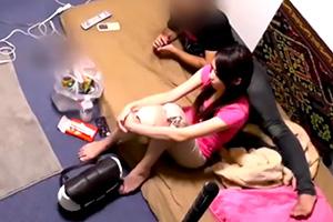 桜井あゆ 関西弁の可愛い美女が元カレの家でまったり…