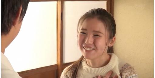 ニコニコ笑う渡辺千紗の素朴さがいいよね