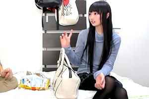 【ナンパ盗撮】黒髪、黒タイツがそそるスレンダー美女を連れ込む