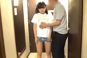 バンコクで日本人に1500タイバーツ(4500円)で買われるタイ娘