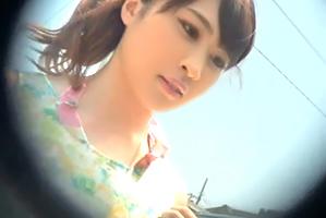 【海ナンパ】江の島に遊びに来ていた美人文学部生を車で即ハメ!