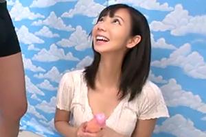 【素人】渋谷でナンパした美巨乳女子大生に18cmメガチ○ポを素股してもらったら…の画像です