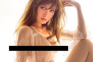 【乃木坂46】白石麻衣が大ヒットの最新写真集でノーブラ透け美乳!