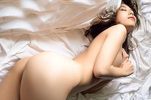 【有村藍里】お尻が好評!有村架○の実姉がヌード写真集で結構脱いでるwww