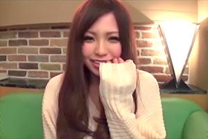 【素人ナンパ】笑顔がカワイイ現役女子大生に即ハメ生中出し!