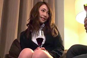 【本気口説き盗撮】出張先のホテルで相部屋になった美人OLと熱烈SEX!の画像です