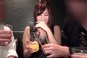 【個人撮影】結婚式の2次会で彼氏持ちの美少女を泥酔させた結果w