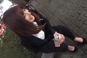 【素人ナンパ】1人で飲み歩く美女を泥酔させてホテルに連れ込む