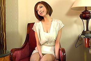 土屋花音 ショートカットがよく似合うアラフォー熟女