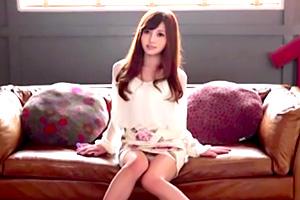 榊梨々亜 デビュー作で絶品テクを見せた乃木坂 白石麻衣似のお姉さん
