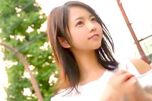 戸田真琴 小柄で可愛い美少女がデカチン鬼突きファック!