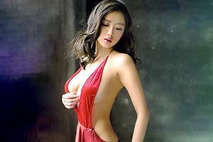 片山萌美 エロくて美人!グラビア女王の背中ばっくりドレス姿がくっそシコれるwwwの画像です