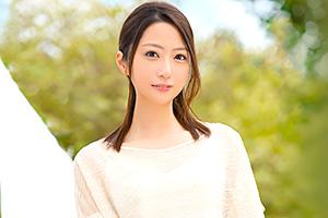 秋山美咲 家ではオナニー三昧。長年のセックスレスに耐えかねて清楚妻がAVデビュー!